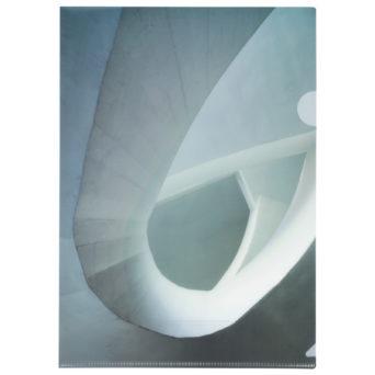 Kiasma muovitasku portaikko, kiasman portaikko kuvattuna alhaalta