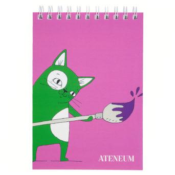 Kissa piirustuslehtiö A5, vihreä Skissi pensseli kädessä vaalenpunaisella taustalla