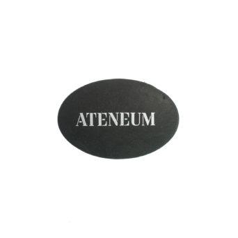 Ateneum musta kumi ovaali, Ateneum logo valkoisella printillä mustassa kumissa