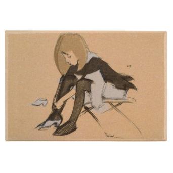 Piirretty kuva tytöstä joka pukee silkkikenkiä jalkaansa
