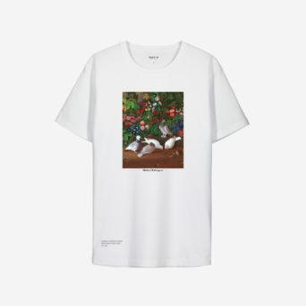 Valkoinen t-paita, jossa kuva linnuista ja kukista