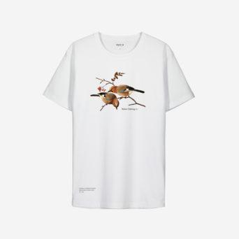 Valkoinen t-paita, johon printattu kaksi närheä pihlajan oksassa