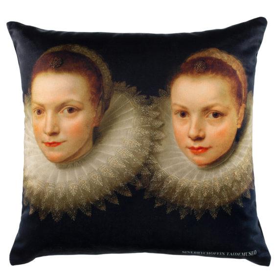 tummapohjaisessa tyynyssä kahden tytön kuva